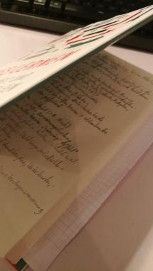 Buch mit Notizen